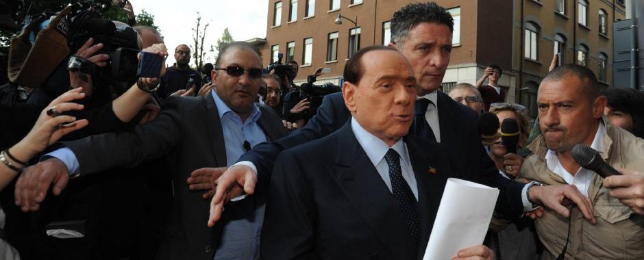 94 - Milano, Berlusconi dal giudice per firmare l´affido (94)