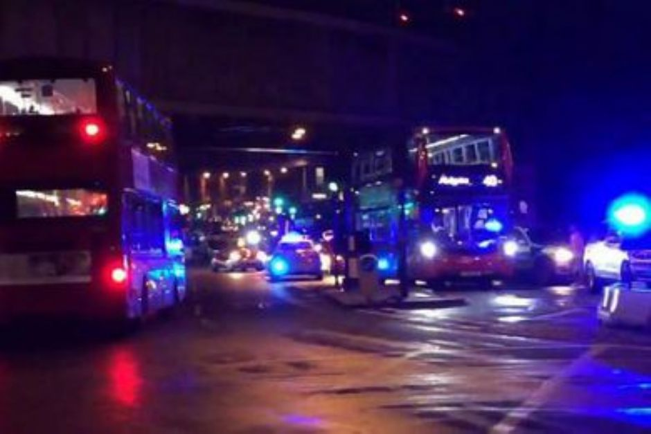 Ridxx1 - Londra, veicolo sui pedoni a London Bridge: diversi feriti (Ridxx1)