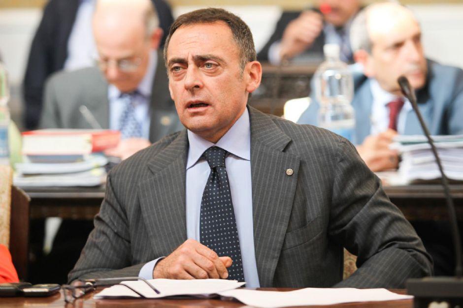 rid158 - «Bobbio, il paladino della legalità che favoriva gli amici». Le motivazioni della condanna dell´ex sindaco di Castellammare (rid158)
